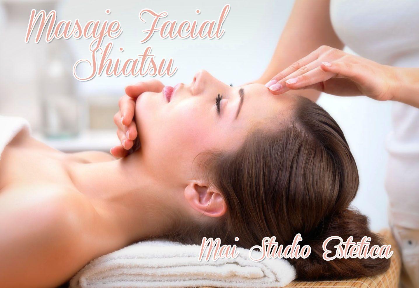 El masaje facial de Shiatsu incluye movimientos ligeros de presión o movimientos circulares a los puntos meridianos importantes en la región de la cara y del cuello. Esto lanza obstrucciones en el flujo de energía vital, corrige desequilibrios y deja una sensación de rejuvenecimiento.