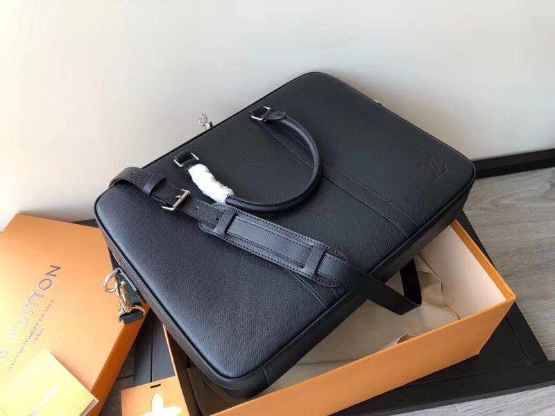 e933e097a065 Replica Louis Vuitton Business Bags comes with gift box