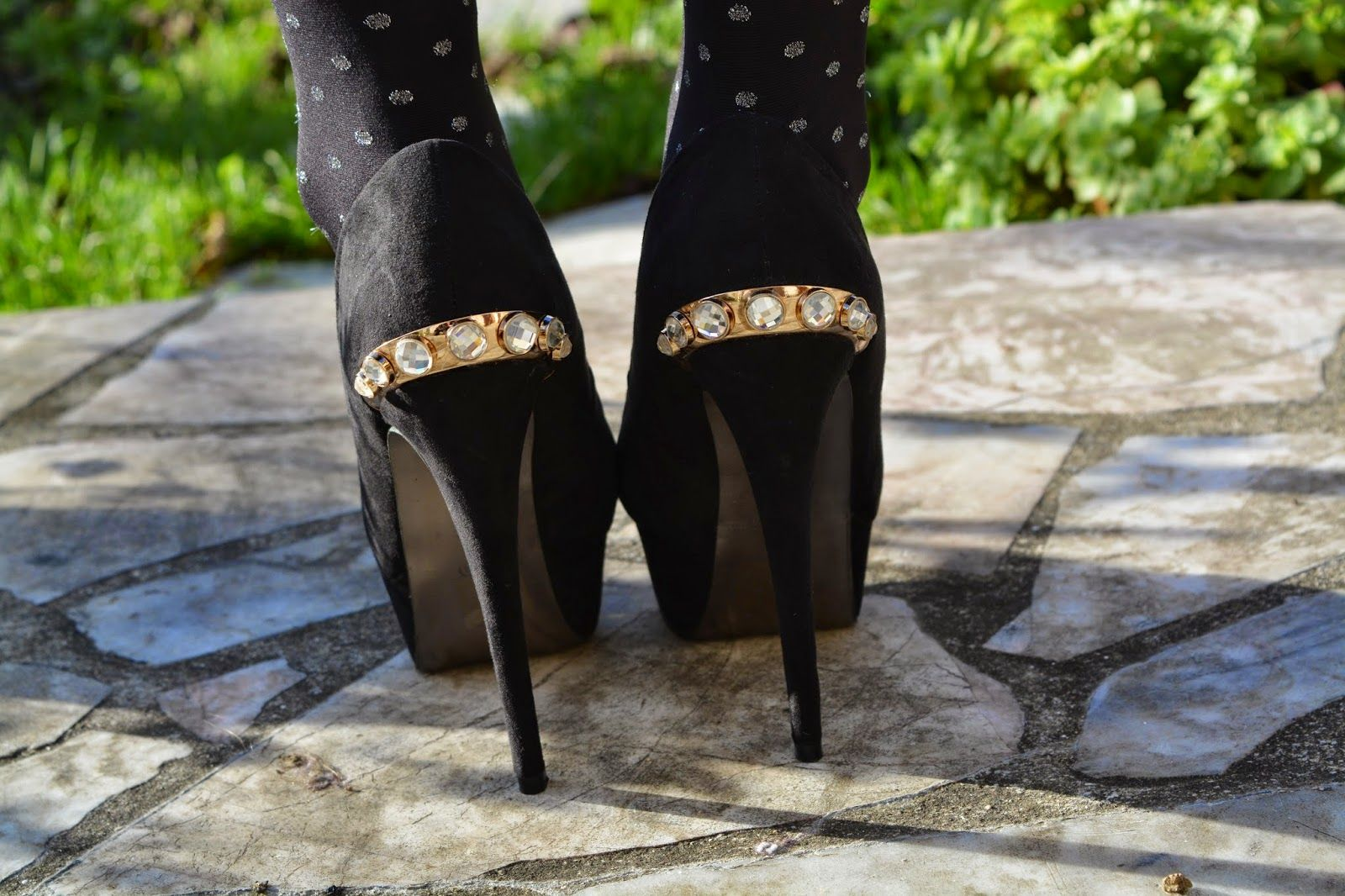 #look #brillant #strass #jupe #talonshauts #escarpins #tenue #blogger #bloggeuse #bloggeusemode #mode #modeuse #style #shoes #pull #french #frenchbloggers #shoes