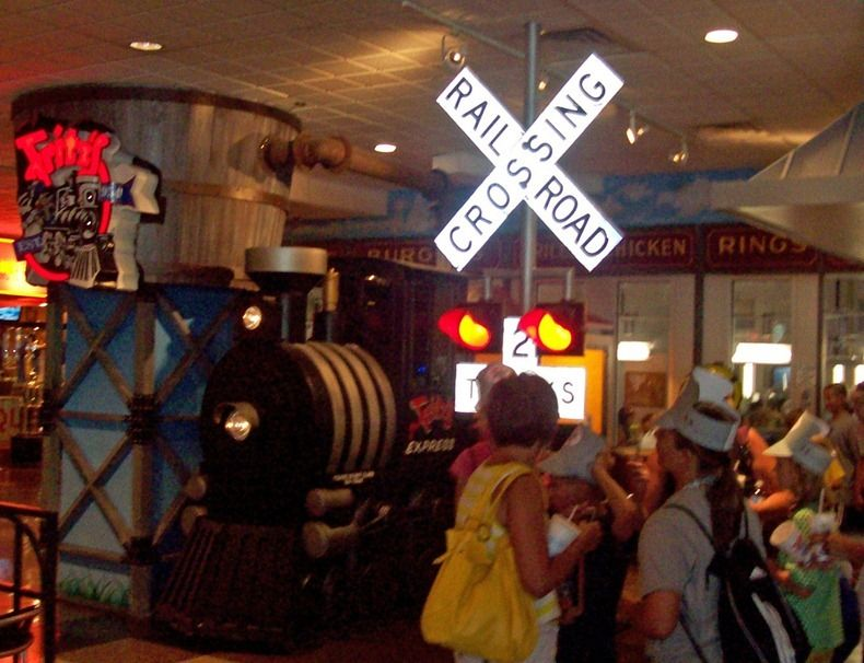 fritz 39 s railroad restaurant in kansas city food delivery by trains oh the places i will go. Black Bedroom Furniture Sets. Home Design Ideas
