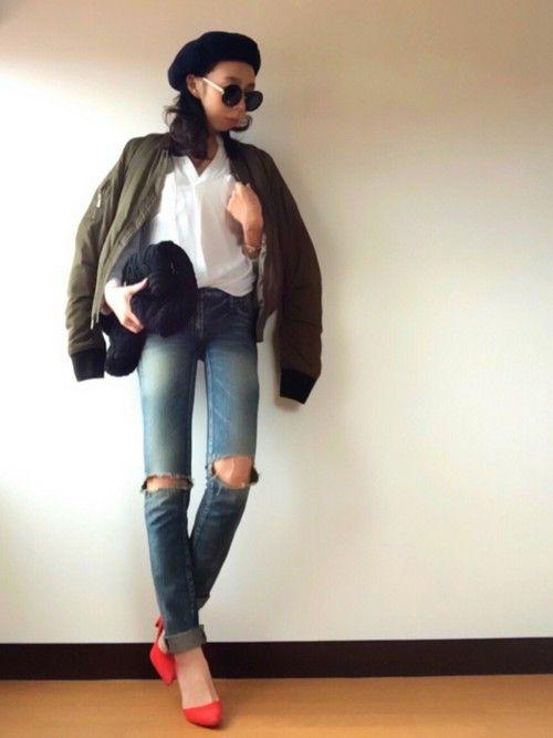 MA-1×とろみシャツ×ジーンズなシンプルコーデ。 ベレー帽合わせたら… なんだか強そうなコーデに