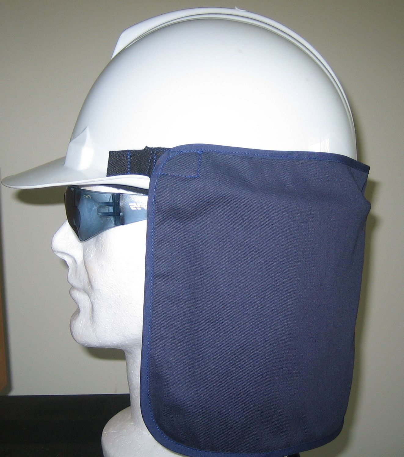 Hard Hat Neck Shades Keep The Sun Off The Back Of Your Neck When Working Great Sun Protection Durable And Fully Washable Neck Hard Hat Safety Vest