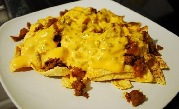 Ricetta Nachos Con Formaggio E Fagioli.Ricette Cucina Messicana Nachos Al Formaggio E Chili Con Carne Ricette Cibo Cucina Messicana