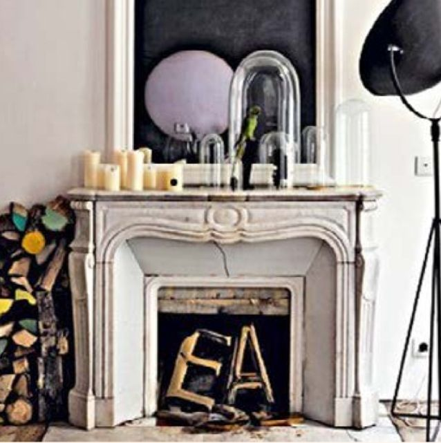 I adore this. The marble mantelpiece, the colour combination. Great