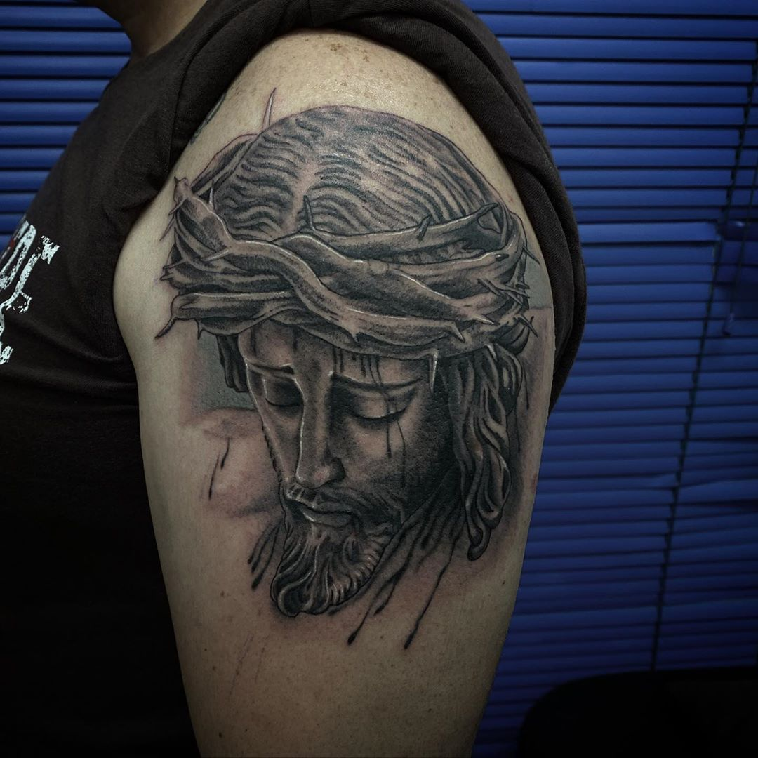 Cristo del Desamparo y Abandono  Hecho en @suntattoosevilla . . . .  #jesusgrind_art #madrid #sevilla #dark #followme #tatuaje #tattoo #artwork#thebesttattoosevilla #tbtsvq #thebestandalusiantattooartist #tattoooftheday #design #blackwork #ink #face #woman #Portrait #inkgirl #lettering #letras #inkmagazine