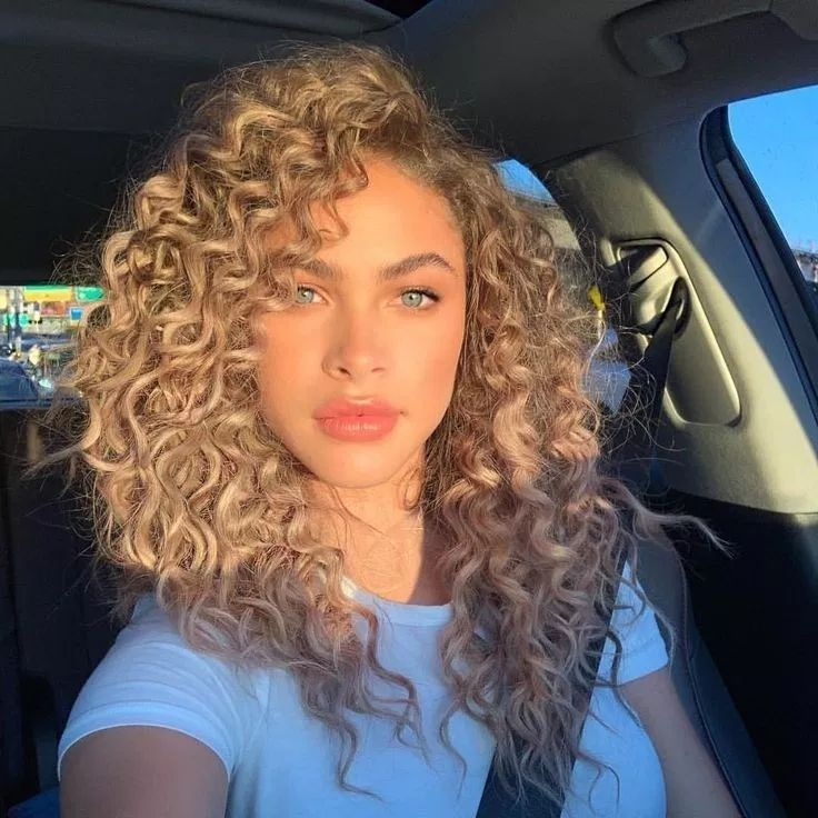 Attraktiv Curly Hairstyles 2019 Frauen Frisuren Fur Haar Ihr Lockige Machen Sie 52 Curly Hairstyles For Lockige Haare Haar Styling Ubergangsfrisuren