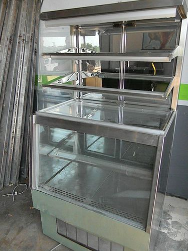 Delfield Bakery Cafe Refrigerated Dry Display Case