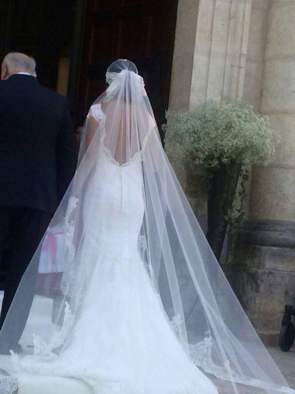 Raquel Alemañ Novias, vestido novia encaje con velo a juego . Diseño ...