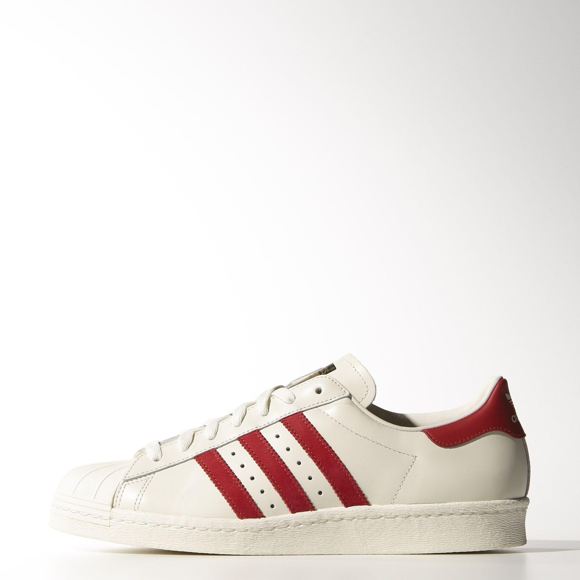 6bb22b9136 Seit den 80er Jahren regiert der Superstar die Sneakerwelt und präsentiert  sich hier als Luxusversion für
