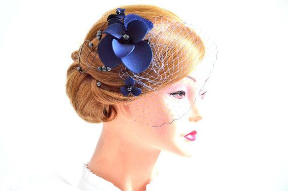 Navy Blau Schleier Mit Fascinator Schleier In Navy Blau Brautschleier Hochzeit Fascinator Hochzeit Zubehor Haar Haarschmuck Flowers In Hair Blue Bridal Wedding Hair Accessories