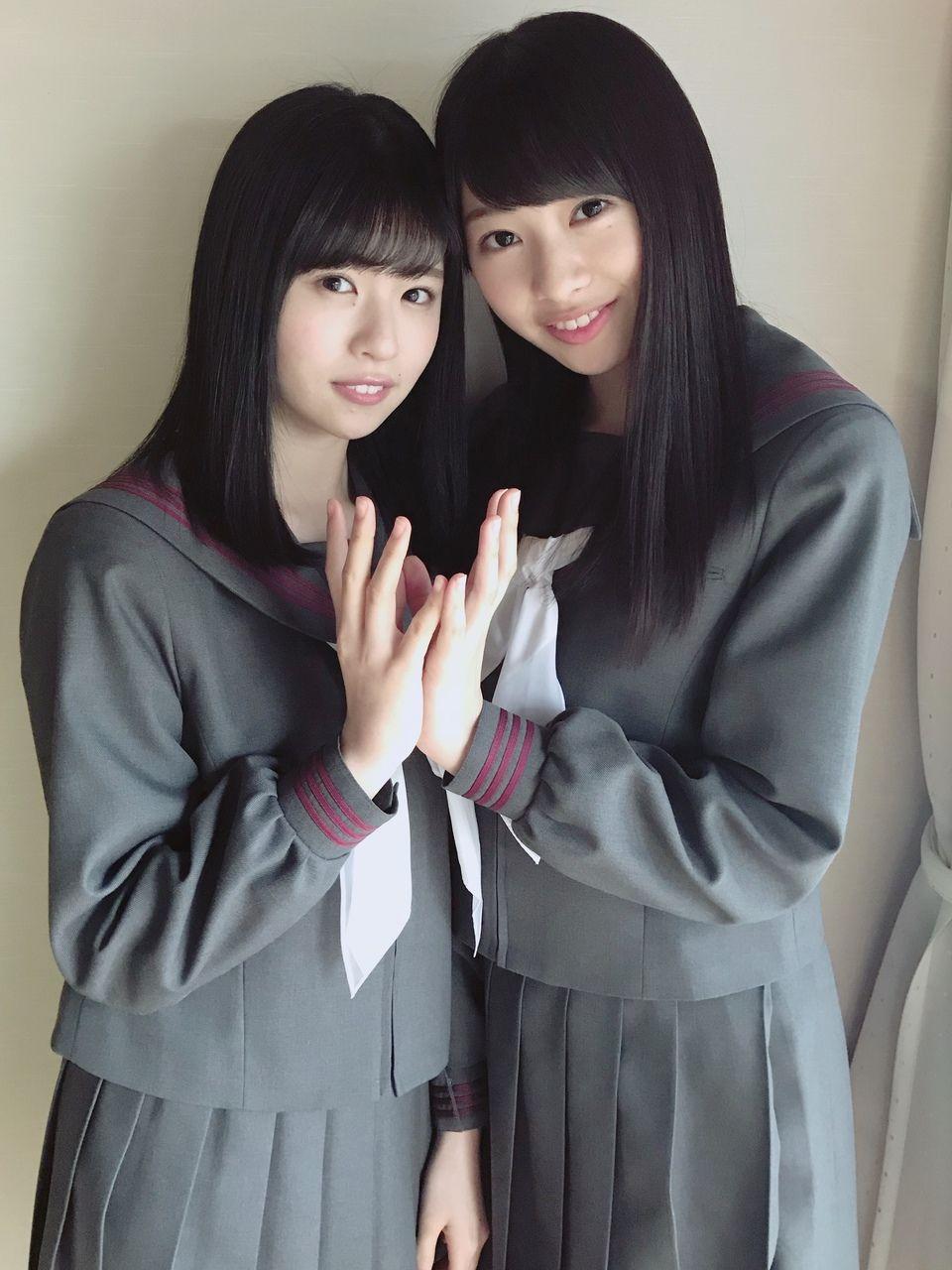 松田好花の制服画像