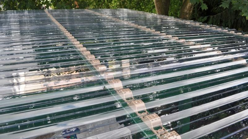 A Natural Roofing Serves As A Roofing That S Described Herbs Which Generally Minimizes Stormwater Corrugated Plastic Roofing Plastic Roofing Pergola With Roof