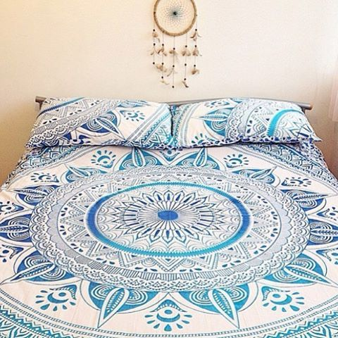 Check out @bohemiyanauk on IG for some pretty tapestries! Bohemiyana is a UK based lifestyle brand specialising in affordable bedding and textiles. They also ship worldwide! Check out the full collection on their website bohemiyana.bigcartel.com