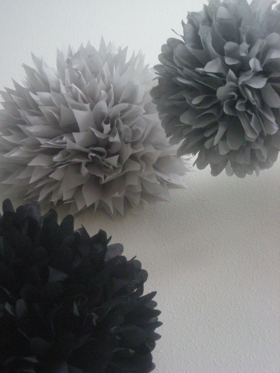 Use silver black white poms to decorate for your for Decoration 25th wedding anniversary