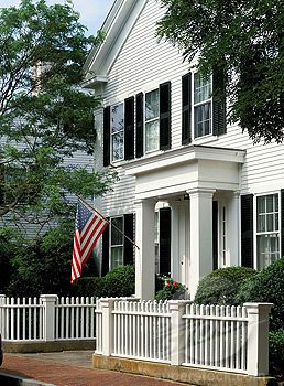 Things we love white clapboard houses pinterest la - Maison freshwater brewster hjorth architects ...
