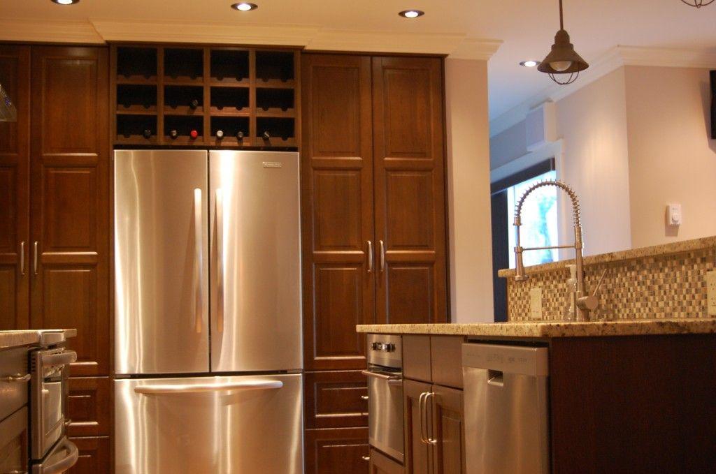 Gourmet kitchen with LILJESTAD doors IKAN Kitchens