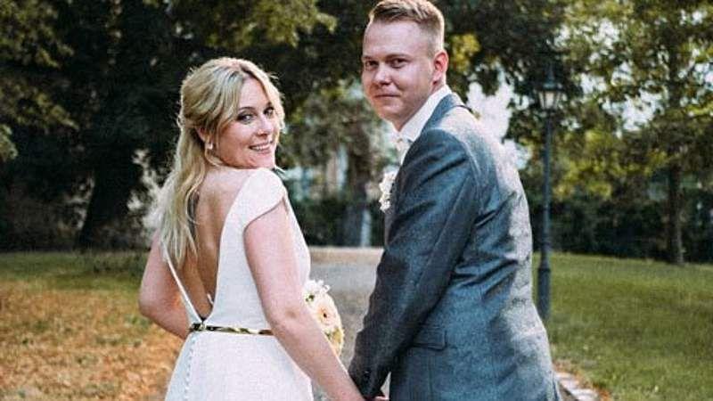 Hochzeit Auf Den Ersten Blick Nicole David Susse Verkundung Nach Den Flitterwochen Hochzeit Auf Den Ersten Blick Hochzeit Flitterwochen