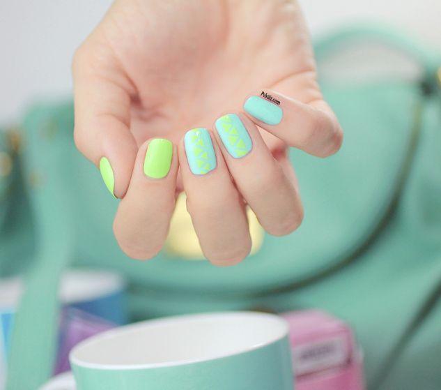 Tuto nail art) mini triangles et couleurs de printemps ! | Uñas ...