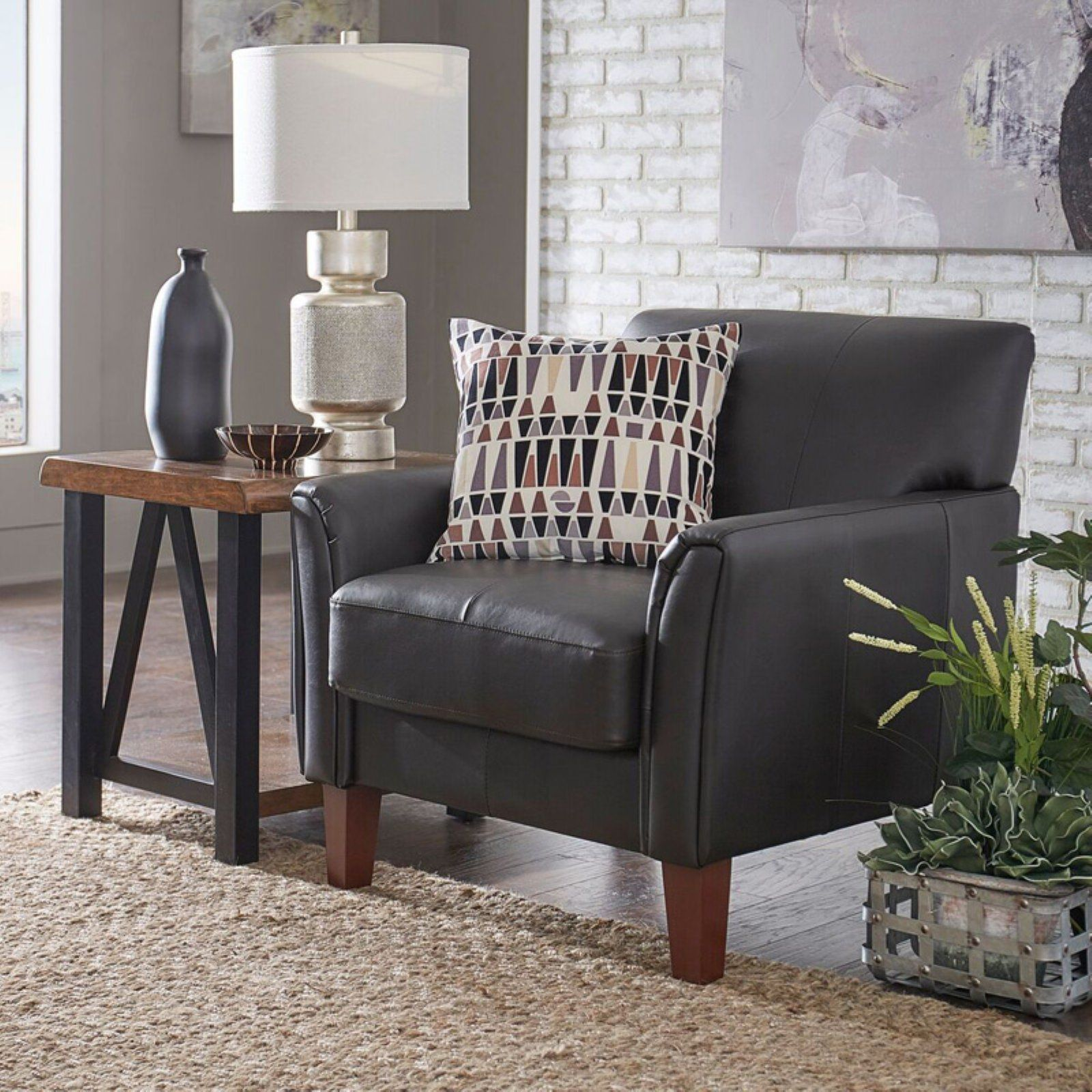Weston Home Yorkshire Leather Club Chair  Accent chairs for