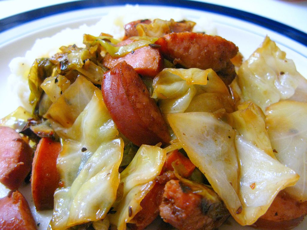 Kielbasa And Cabbage With Buttermilk Mashed Potatoes Kielbasa And Cabbage European Food Food