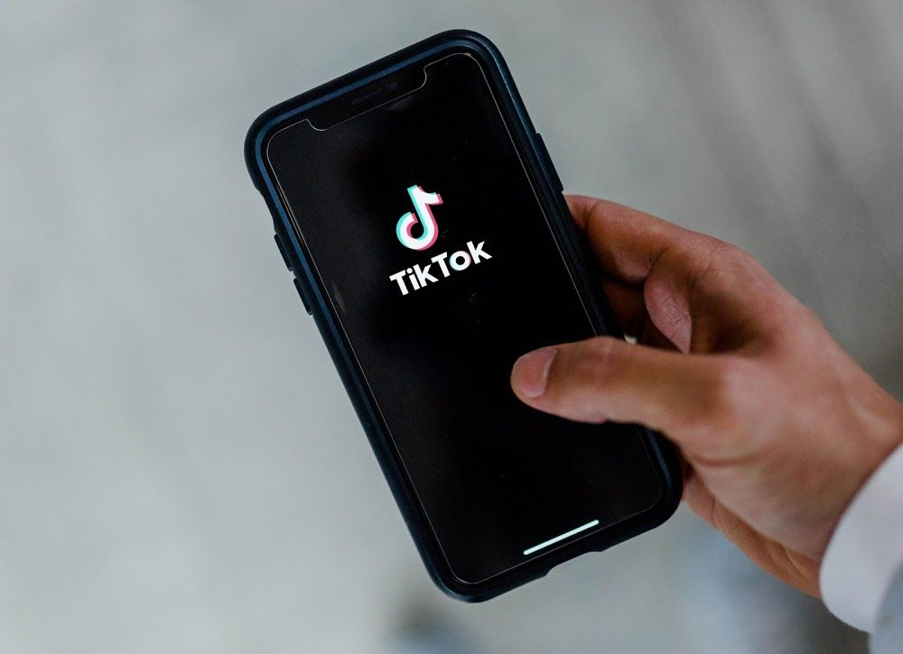 Tiktok Reveals Why Every Tiktok User Gets To See A Different News Feed Digital Information Social Media Users Social Media Resources