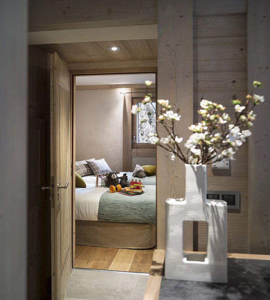 Chambre de chalet lambris bois chambre d 39 enfant design chambres chalet lambris bois et - Lambris chambre ...