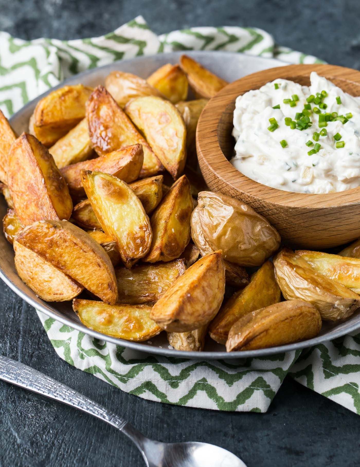 Homemade Dip Makes These Roasted Potatoes With Sour Cream And Onion Dip The Hit Of Any Appetizer Sprea Sour Cream And Onion Sour Cream Recipes Roasted Potatoes