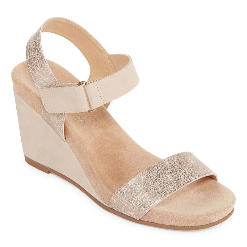 5e0f52fea60e CL by Laundry Trish Womens Wedge Sandals