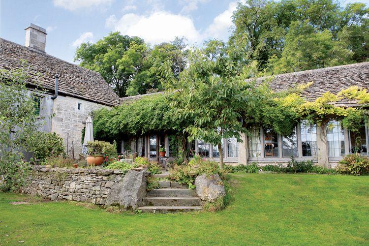Pejzaż za mgłą - dom w Anglii - Kocham wieś