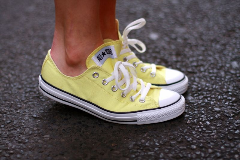 the perefect yellow Converse | Yellow