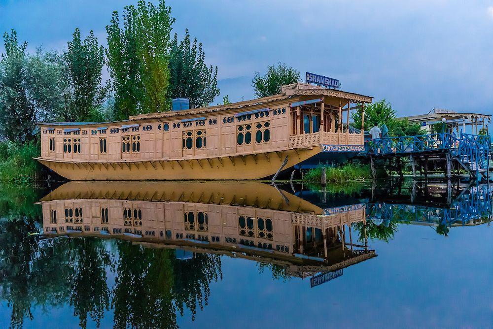 Pin By Deepti V On Kashmir A Lost Paradise Home House Boat Srinagar Jammu And Kashmir
