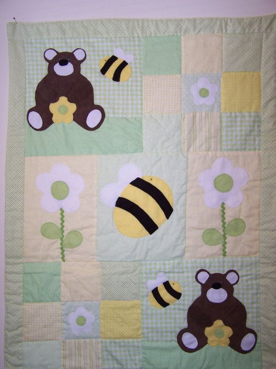 Hand Appliqued Teddy Bear And Bumblebees Patchwork Baby Girl Or Boy Quilt In Green And Yellow Baby Patchwork Quilt Patchwork Baby Baby Quilts