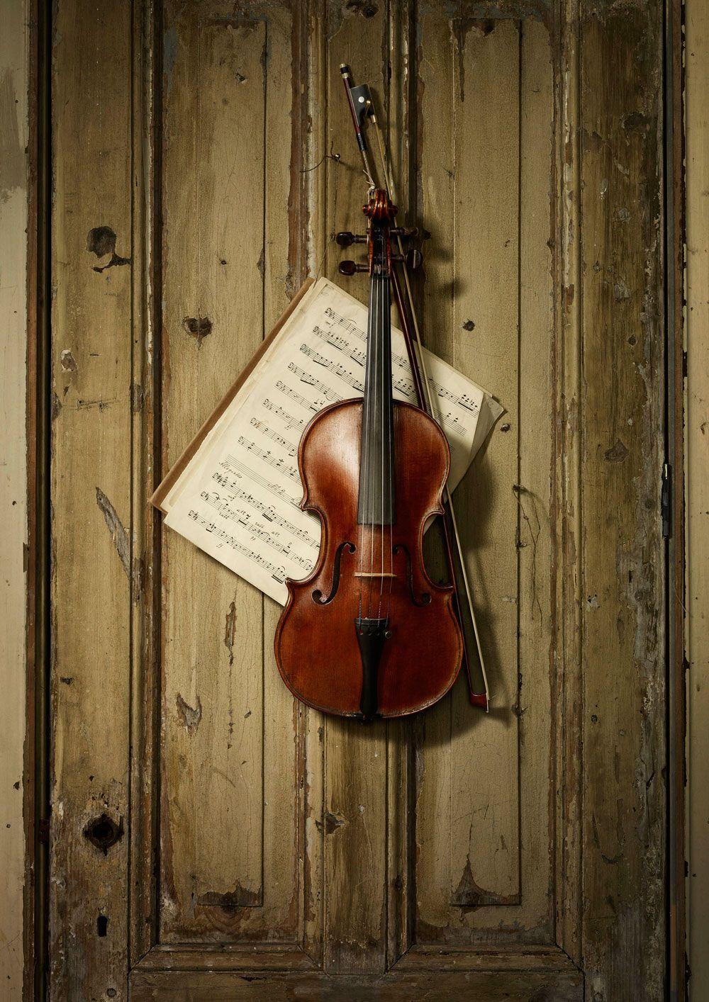 Erwin Olaf, Old Violin | Sounds of Infinity- Teaching Studio
