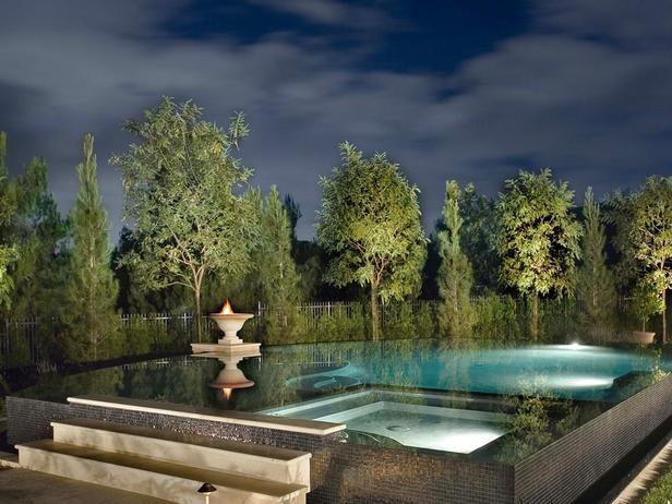 Zero-Edge Pool \u003e\u003e   wwwhgtvremodels/outdoors/dreamy-pool