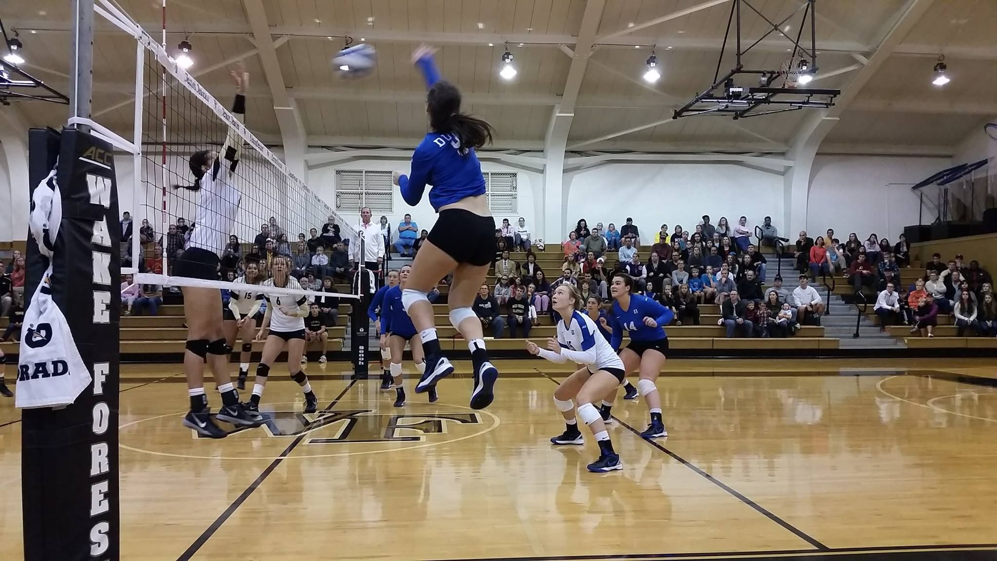Duke Volleyball Swept Wake Forest For Its 9th Straight Win Goduke Volleyball Gameday Basketball Court