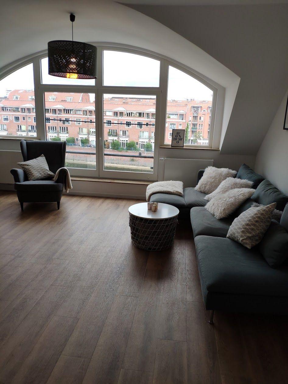 Wohnzimmer Mit Traumhaftem Ausblick Wohnung Maisonette Wohnung Wohnung Wohnzimmer