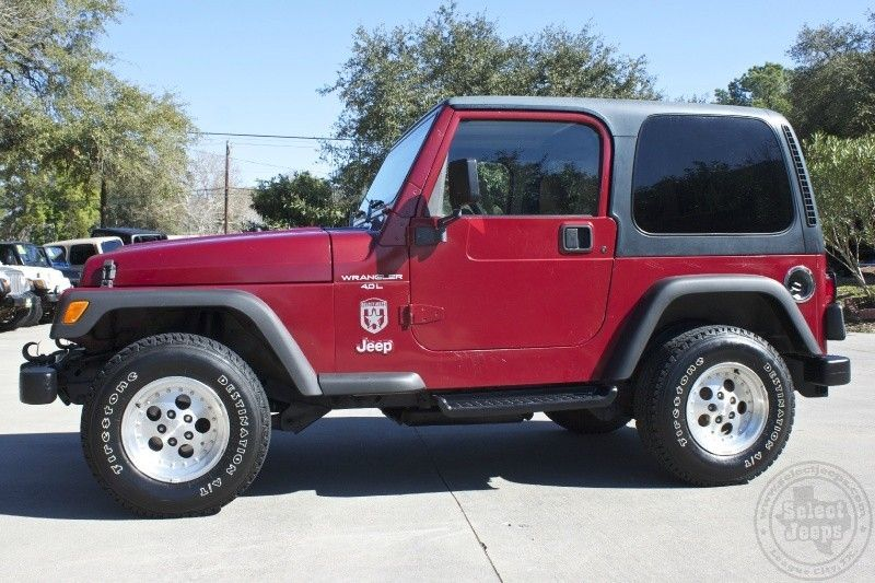 1998 chili pepper red wrangler sport only 8 995 automatic hard top 4 0l inline 6. Black Bedroom Furniture Sets. Home Design Ideas