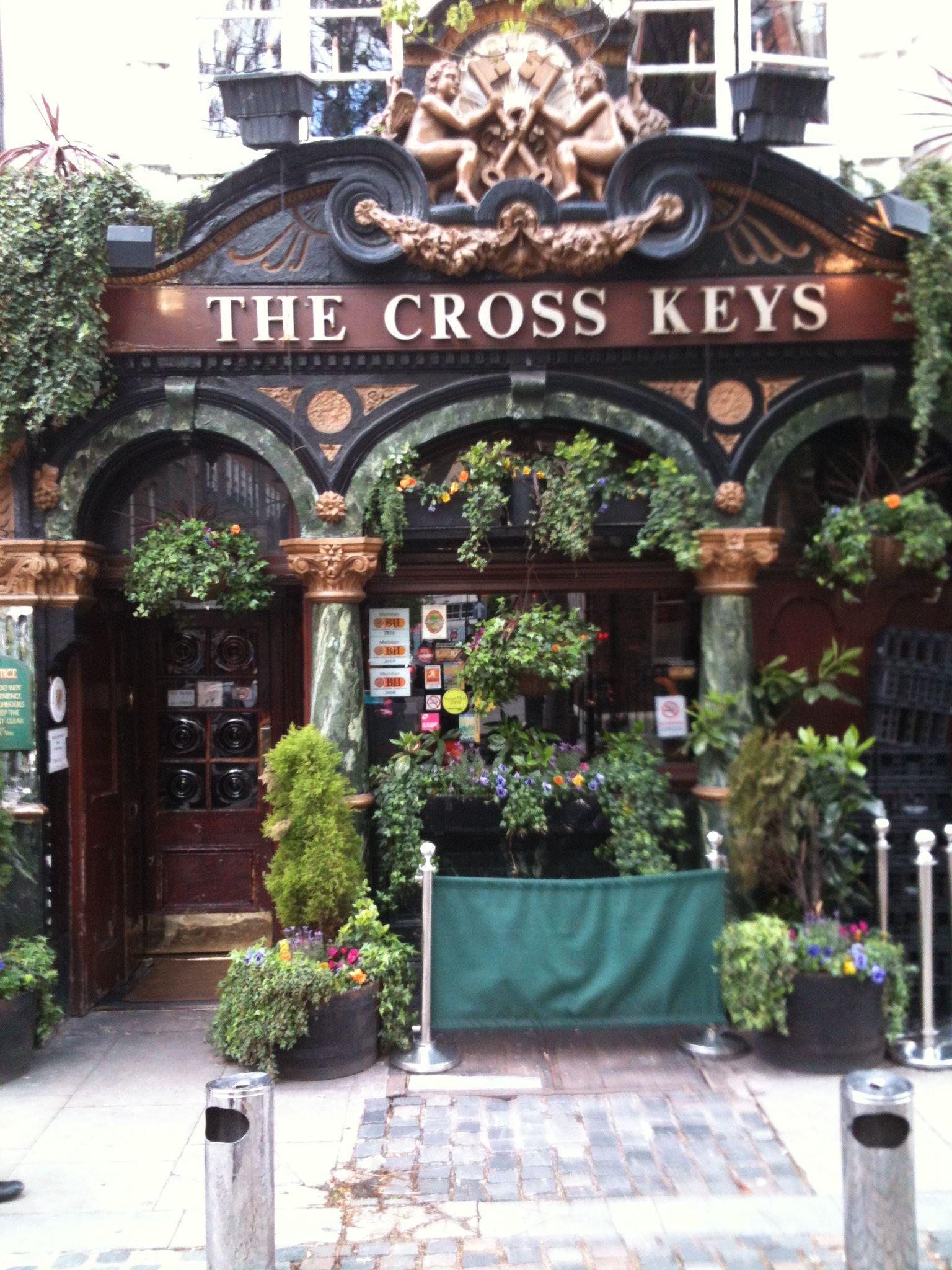 The Cross Keys pub in Covent Garden, looks like it's from