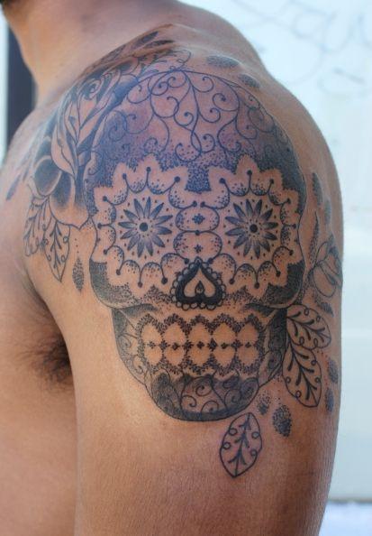 I Don T Like Skull Tattoos But This One Is Really Beautiful Sugar Skull Tattoo W Stipling Gemma Pariente Mexican Skull Tattoos Tattoos Skull Tattoos