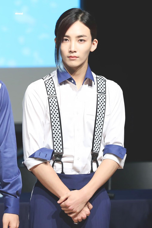 Jeonghan 정한 of Seventeen 세븐틴