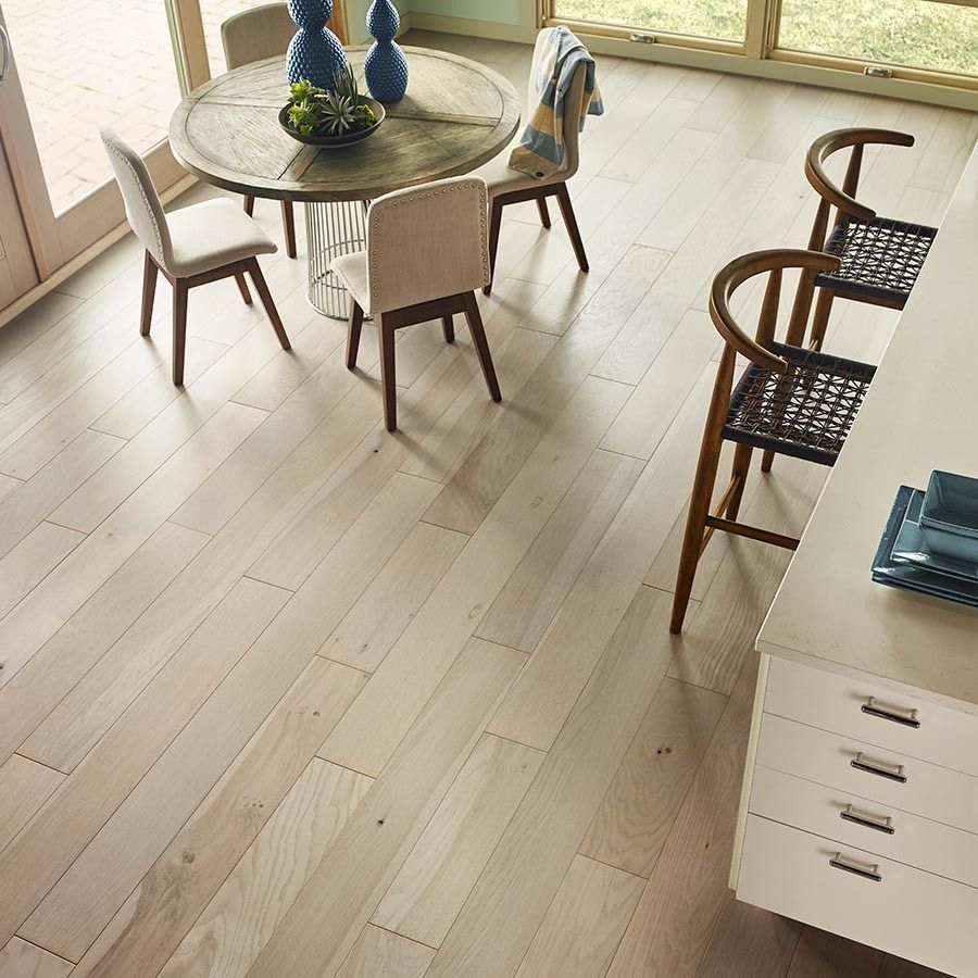 shop pergo lifestyles 7in w prefinished oak engineered hardwood flooring creekside at