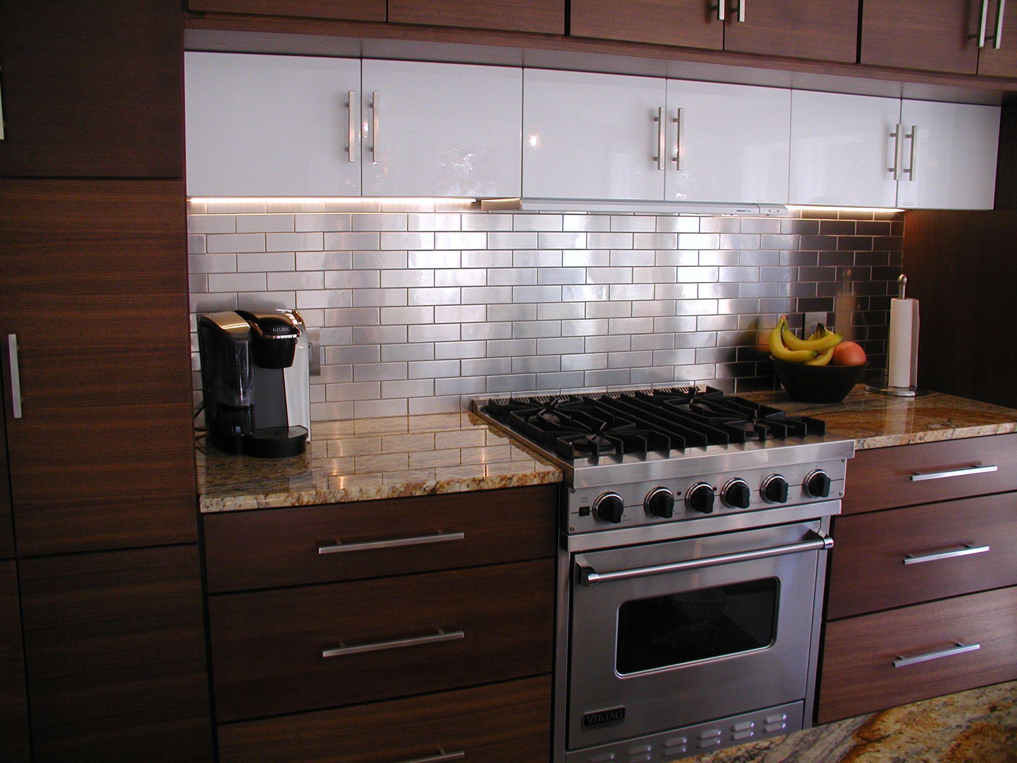 Dce Woodland Cabinets Urban Elements Metro Door Walnut Sienna Luxor Cabinets 706 Door Gloss White Cabinetry Cabinet Design