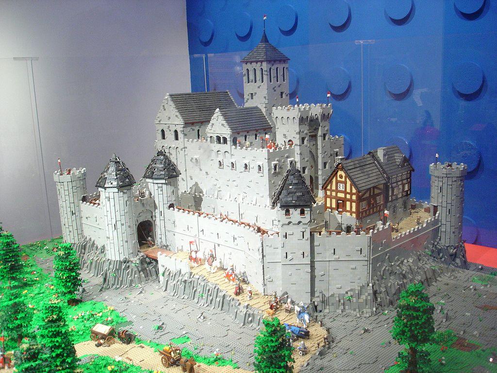 Dsc05040 Lego Castle Lego Architecture Lego Sculptures