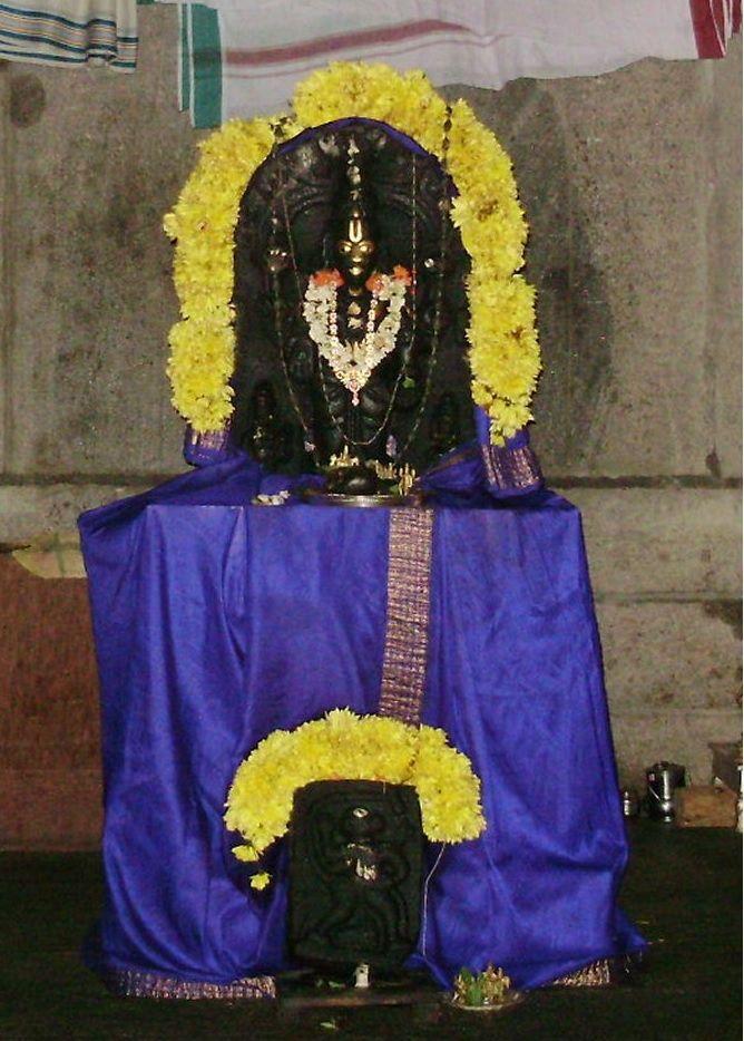 Sri Rayaru installed with his own hands the idol of Lord Venkateswara at Manchali
