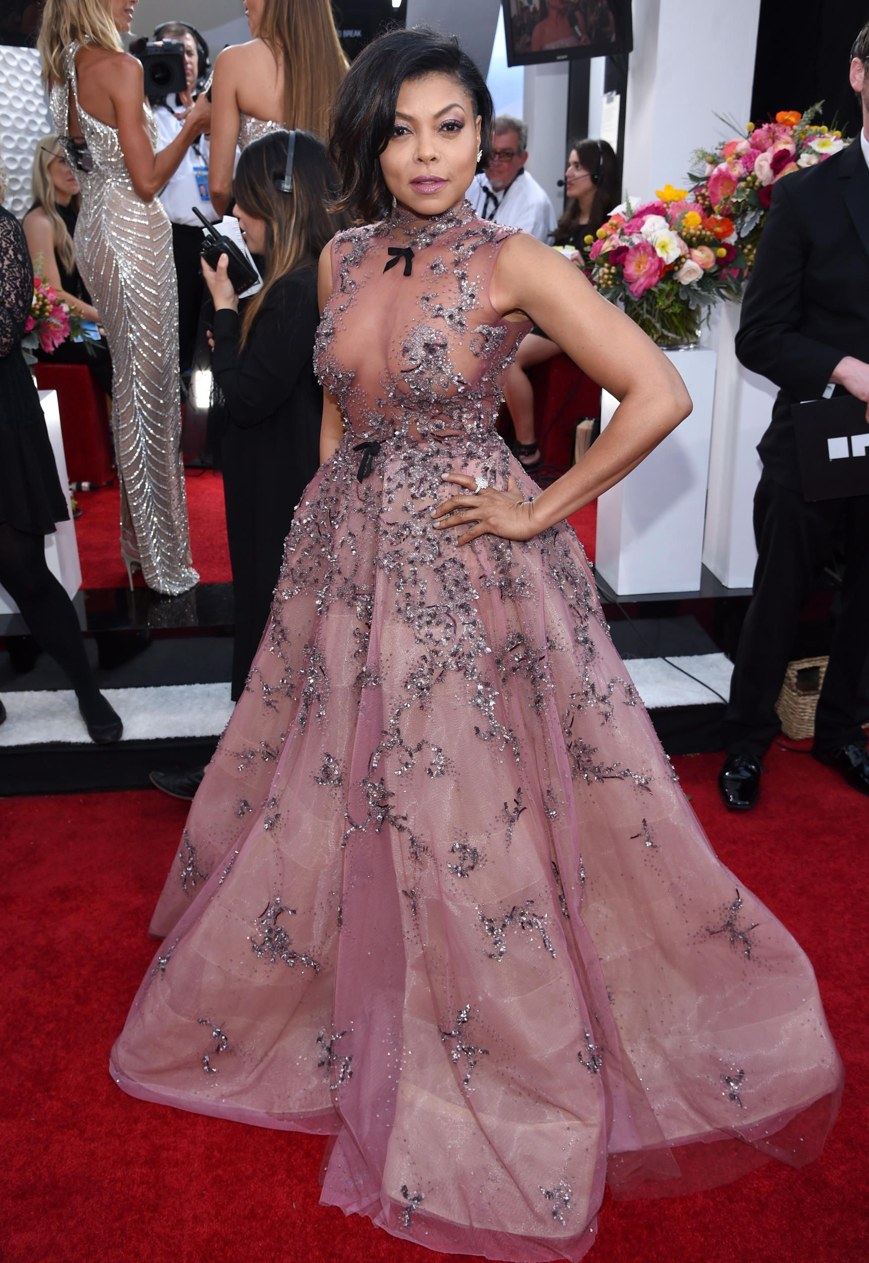 Every Look From the 2017 SAG Awards Red Carpet | Dresses