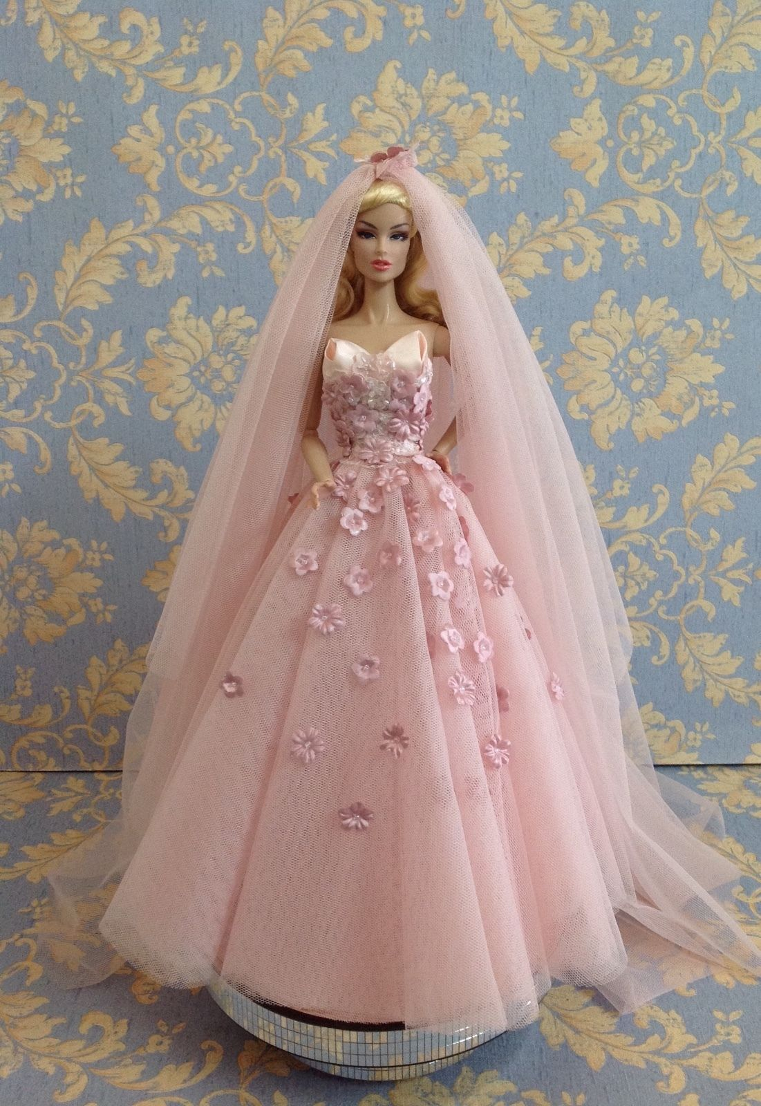 Bestty Doll Gown Outfit Dress Fashion Royalty Silkstone Barbie Model ...