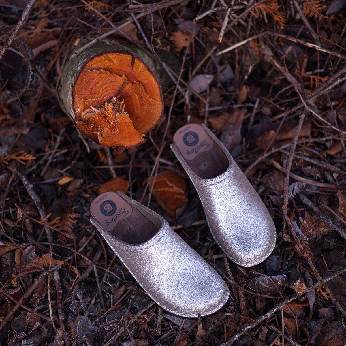 b7ada43cfc1e5 Wooden clogs in silver stardust leather - Troentorp Clogs, Bastad ...