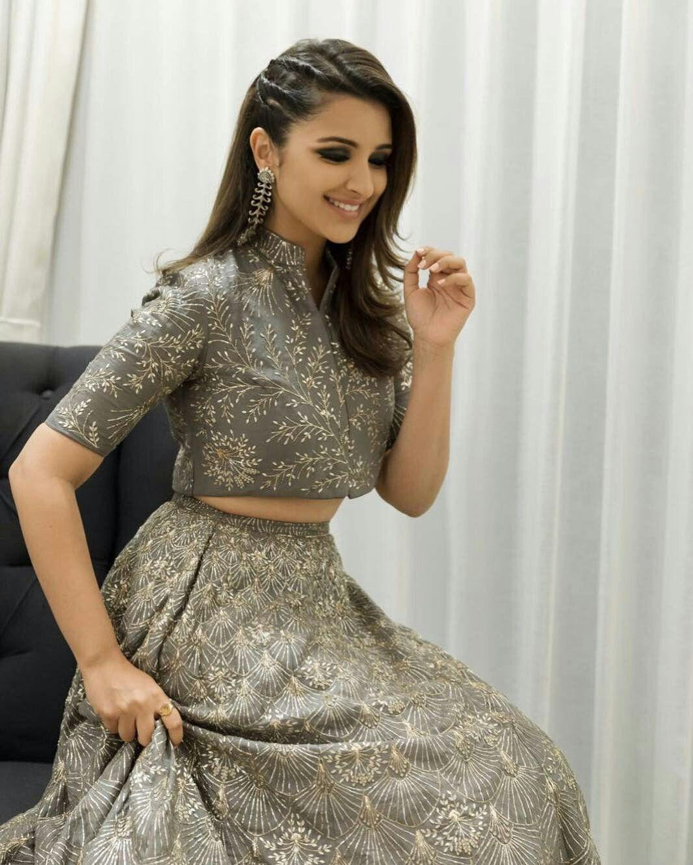 pin by premnath pk on parineeti chopra | saree hairstyles