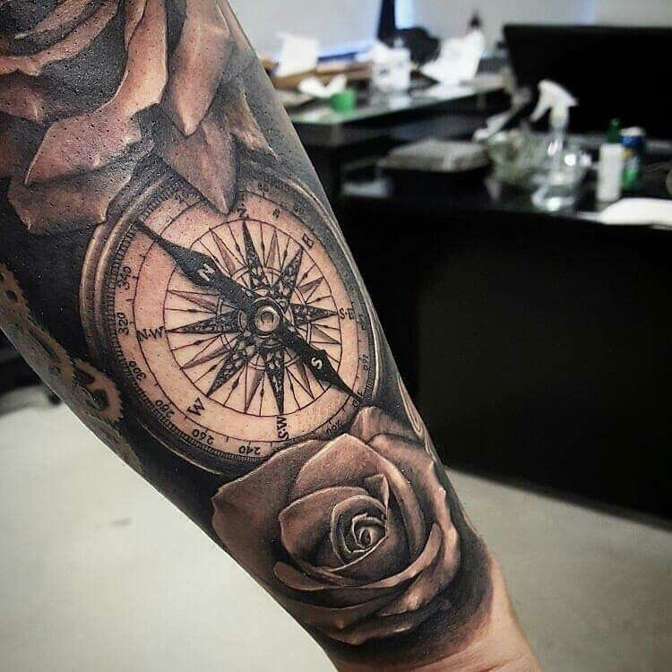 Kompass Tattoo Rosen Armtattoo Arm Rosen Kompass Compass Tattoos Arm Arm Tattoo Compass Rose Tattoo