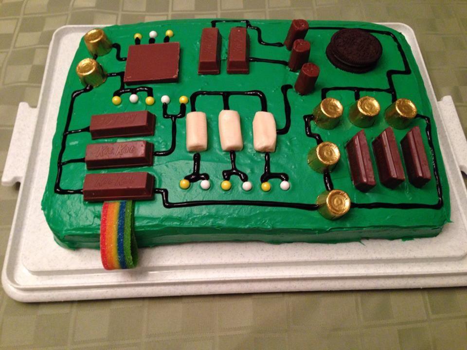 Computer motherboard cake geburtstagskuchen alternativen